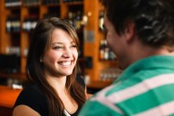 What-to-Say-to-a-Girl-You-Meet-at-a-Bar