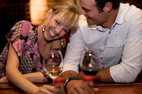 flirt dating dinner date