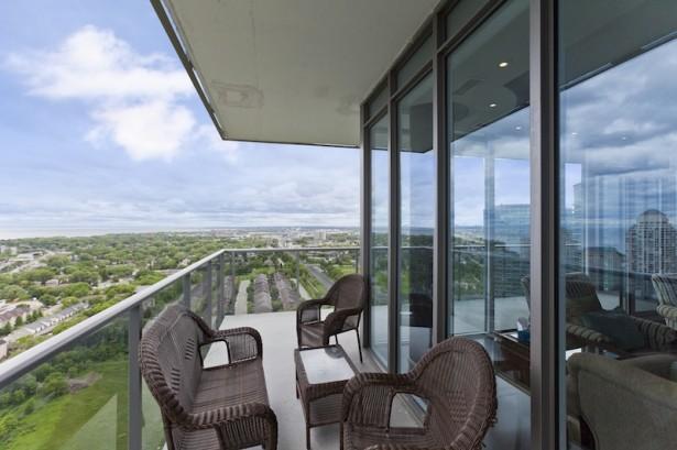 INV NV-88 Park Lawn- Balcony