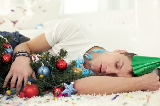 Man-Sleeping-Christmas-2889098