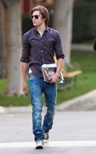 Zac Efron Leaving Disney Studios