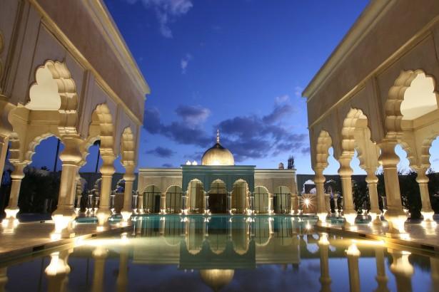 Pool_Palace_by_night