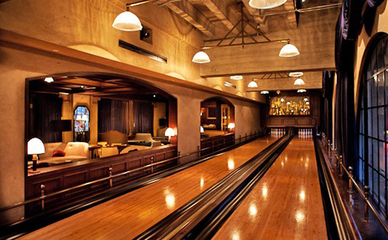 Bowling At Spare Room Dating Ideas Los Angeles
