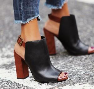 mule shoe with heel