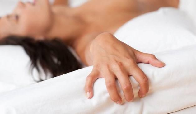 Симулируют ли мужчины оргазм кто-нибудь