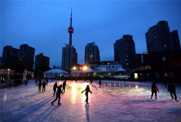Dating places in toronto